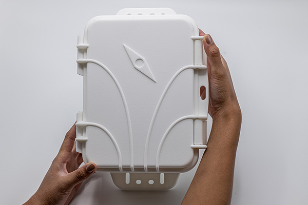 Person holding the FieldKit product