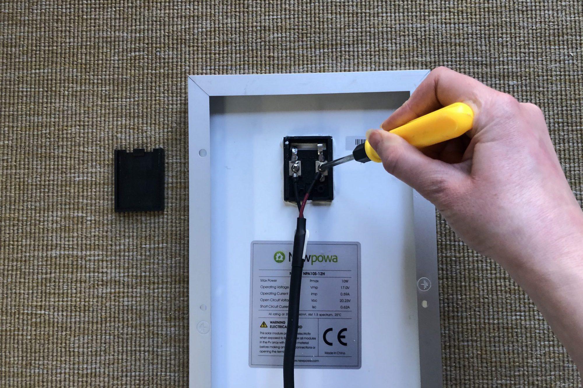 Attach Cable Solar